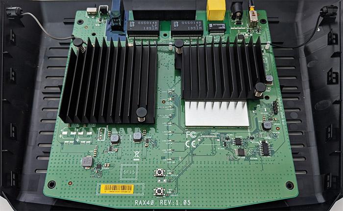 netgear-ax4-hardware