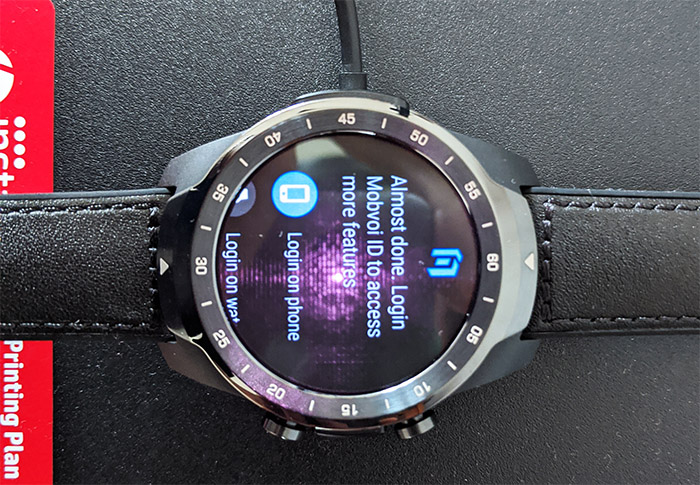ticwatch-pro-smartwatch-charging