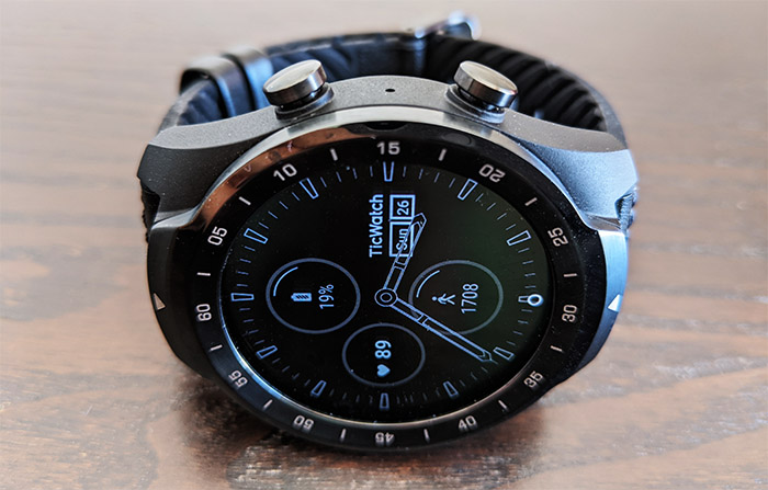 ticwatch-pro-smartwatch-screen