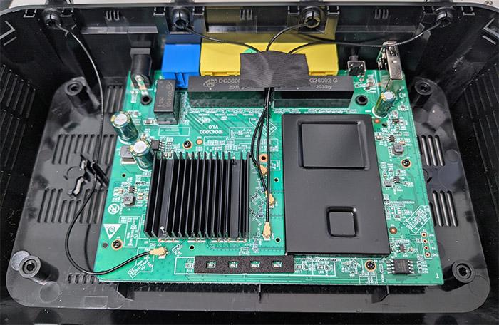 rock-space-ac2100-internal-hardware