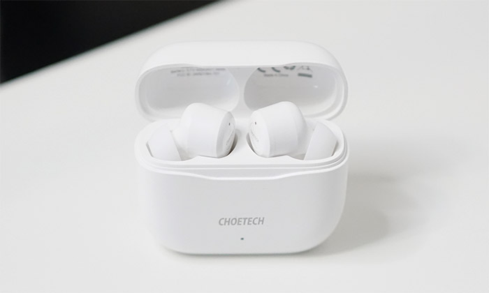 choetech-soulpods-case-open