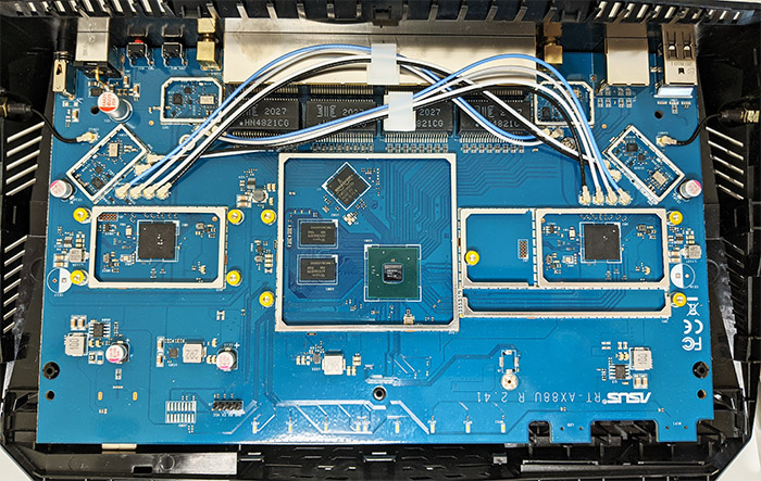 asus-rt-ax88u-router-internal-hardware