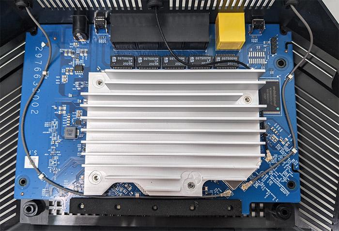 netgear-rax10-internal-hardware