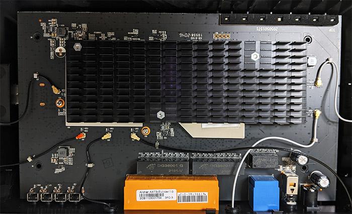 tp-link-archer-ax73-internal-hardware