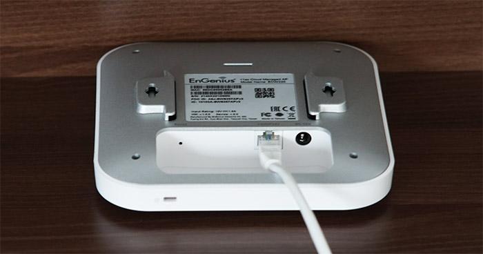 engenius-ecw220-ports