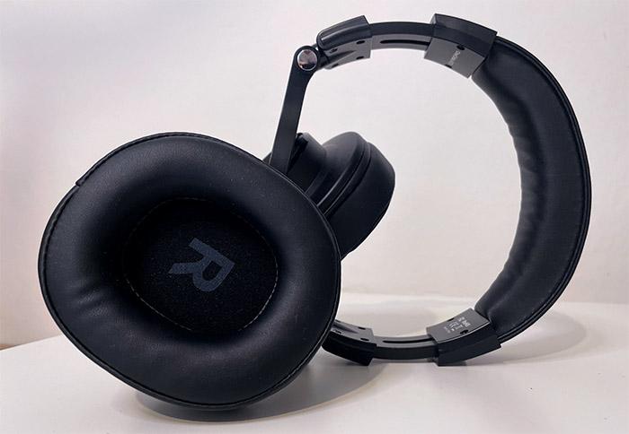 oneodio-a70-earmuffs